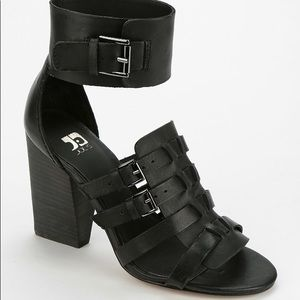 Joe's Jeans Black Marley Buckled Sandal 9.5
